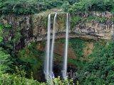 Proslulé vodopády v oblasti Chamarel