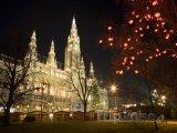 Radnice během vánočních trhů