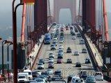 San Francisco, čilý provoz na Golden Gate Bridge