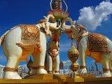 Sochy slonů v Bangkoku
