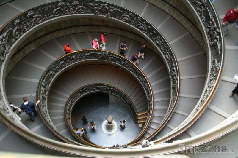 Fotka, Foto Točité schody ve Vatikánském muzeu (Řím, Itálie)