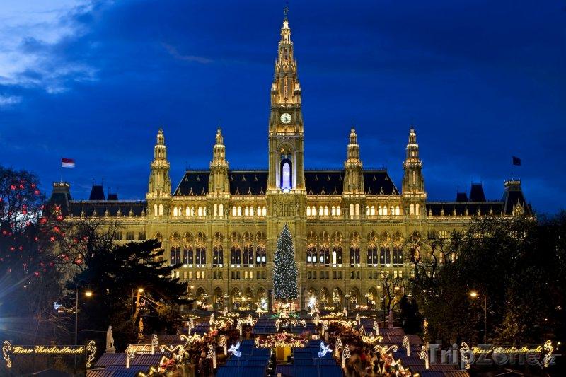 Fotka, Foto Vánoční trhy před radnicí (Vídeň, Rakousko)