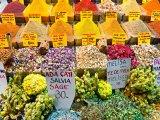 Bazar s kořením a ingrediencemi
