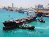 Dokující lodě v přístavu