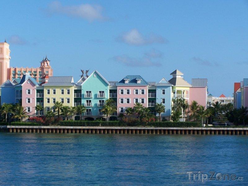 Fotka, Foto Domy na pobřeží Nassau (Bahamy)