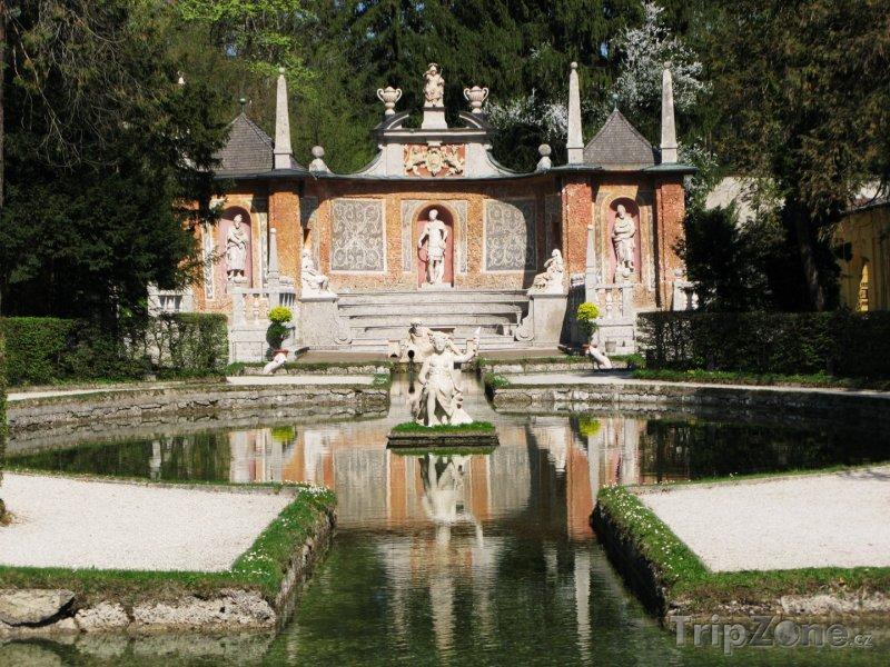 Fotka, Foto Fontána před zámkem Hellbrunn (Salcburk, Rakousko)