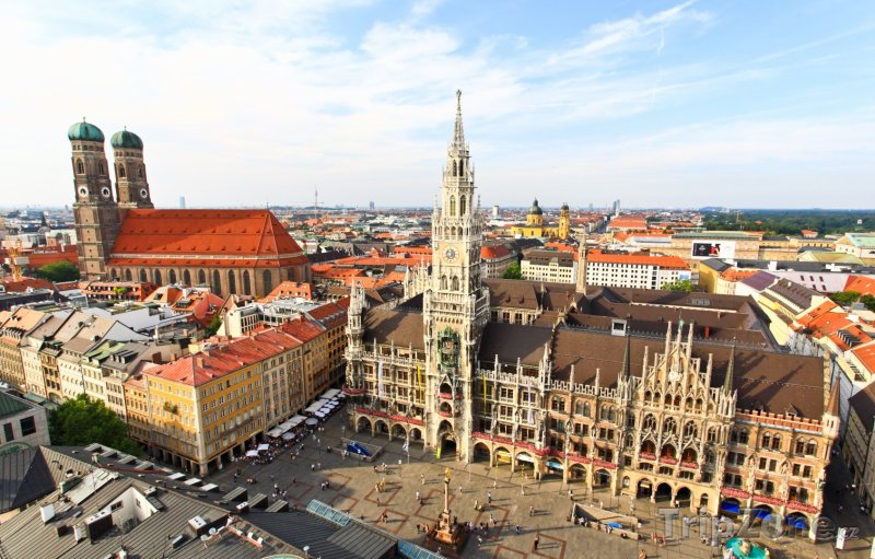 Fotka, Foto Frauenkirche a Marienplatz v Mnichově (Bavorsko, Německo)