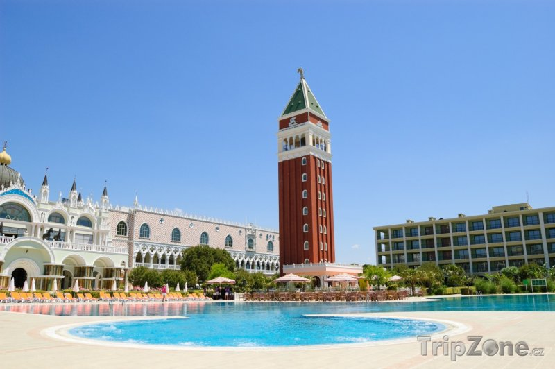 Fotka, Foto Hotelový resort ve stylu Benátek (Antalya, Turecko)