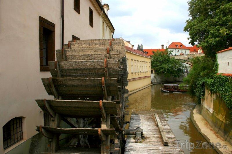 Fotka, Foto Mlýnské kolo na Kampě (Praha, Česká republika)