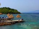 Molo na pobřeží Albánie