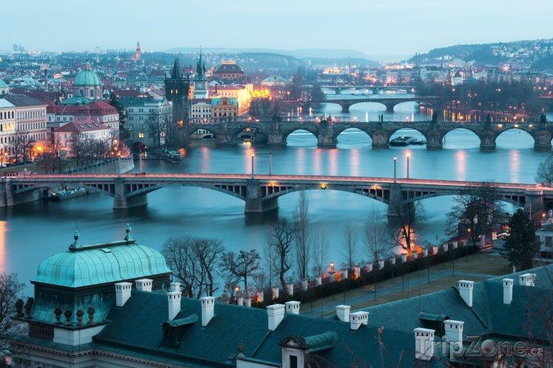 Fotka, Foto Mosty na řece Vltava (Praha, Česká republika)