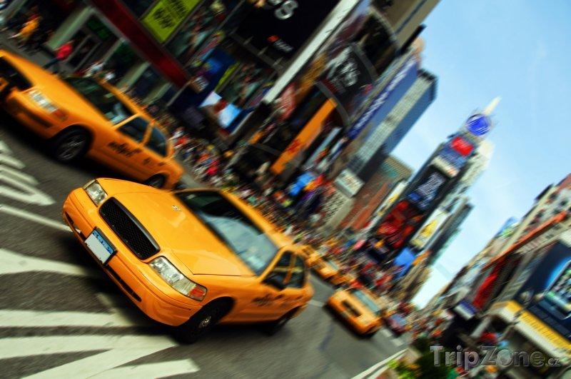 Fotka, Foto New York, taxík na Times Square (New York, USA)