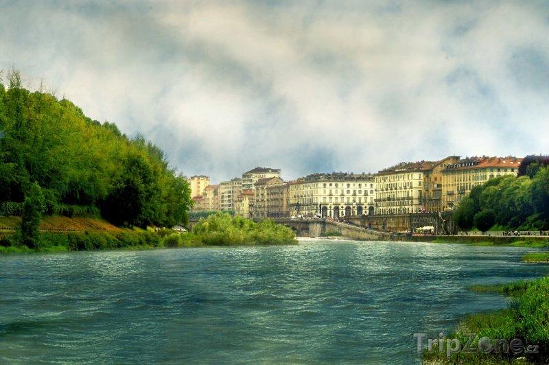 Fotka, Foto Řeka Pád (Turín, Itálie)