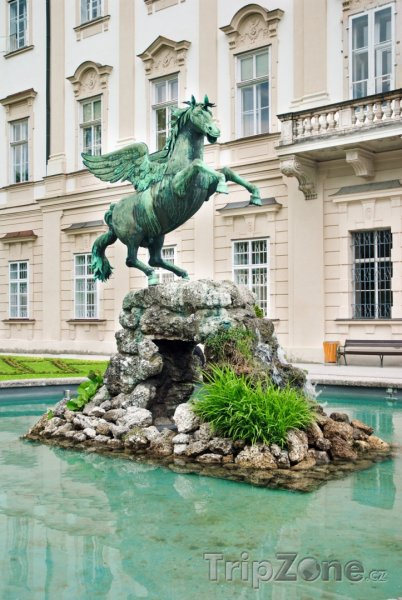 Fotka, Foto Socha Pegase v parku Mirabellgarten (Salcburk, Rakousko)