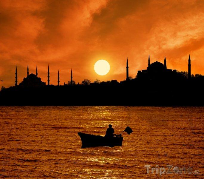 Fotka, Foto Západ slunce nad Istanbulem (Istanbul, Turecko)