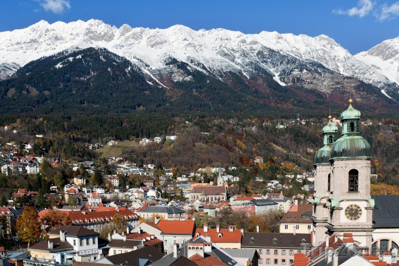 Fotka, Foto Alpy nad městem (Innsbruck, Rakousko)