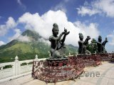 Buddhistické sochy v klášteře Po Lin