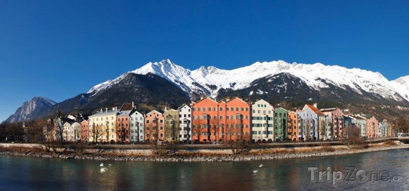 Fotka, Foto Domy na břehu řeky Inn (Innsbruck, Rakousko)