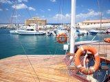 Jachty v přístavu