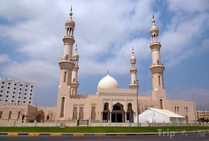 Fotka, Foto Mešita ve městě Fujairah (Spojené arabské emiráty)