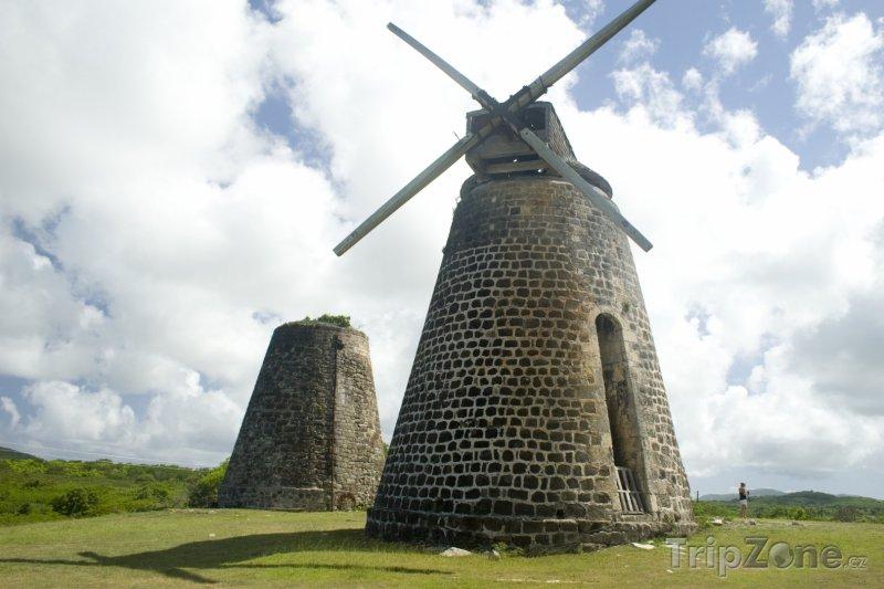 Fotka, Foto Mlýn na výrobu cukrové třtiny (Antigua a Barbuda)