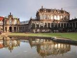 Pavilón se zvonkohrou ve Zwingeru