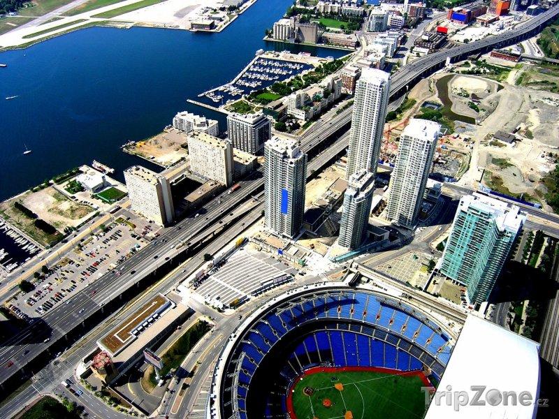 Fotka, Foto Pohled na stadion Rogers Centre (Toronto, Kanada)