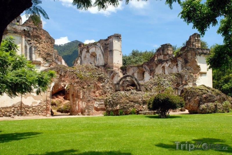 Fotka, Foto Ruiny kostela La Recoleccion (Antigua a Barbuda)