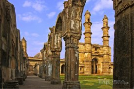Ruiny paláce v Gujaratu