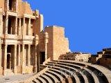 Ruiny římského dvadla ve městě Sabratha