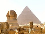 Sfinga a Cheopsova pyramida