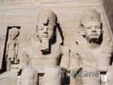 Sochy faraonů v Egyptě
