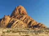 Spitzkoppe, žulová hora v poušti Namib