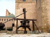 Starodávná pumpa v pevnosti Udayas