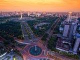 Západ slunce nad městem