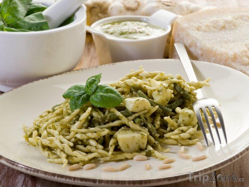 Fotka, Foto Janovská specialita pasta troffie (Janov, Itálie)
