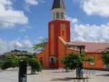 Kostel ve městě Les Abymes
