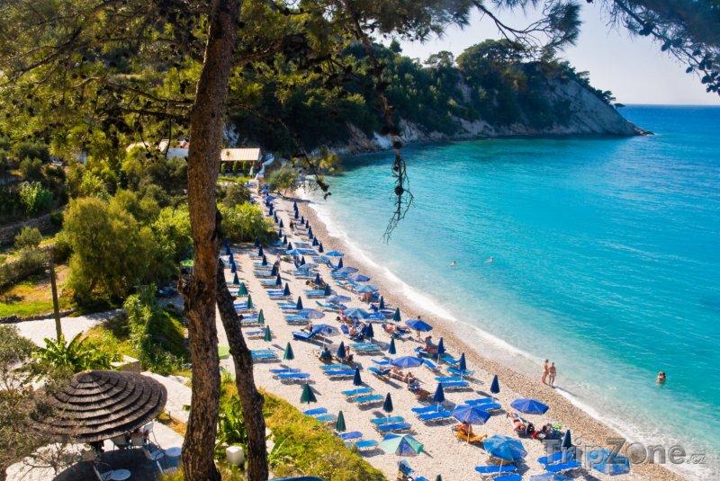 Fotka, Foto Lehátka na pláži (Samos, Řecko)