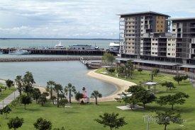 Město Darwin a Timorské moře