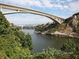 Most přes řeku Douro