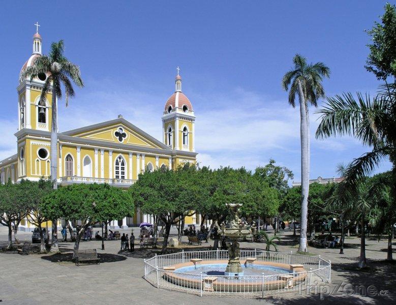 Fotka, Foto Náměstí v Granadě (Nikaragua)