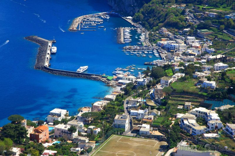 Fotka, Foto Panorama města Capri (Itálie)