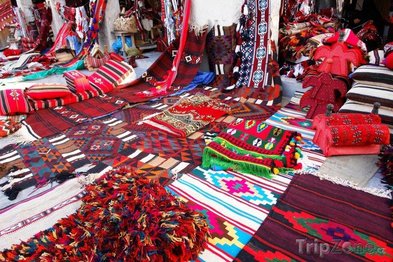Fotka, Foto Prodej orientálních koberců v Dauhá (Katar)