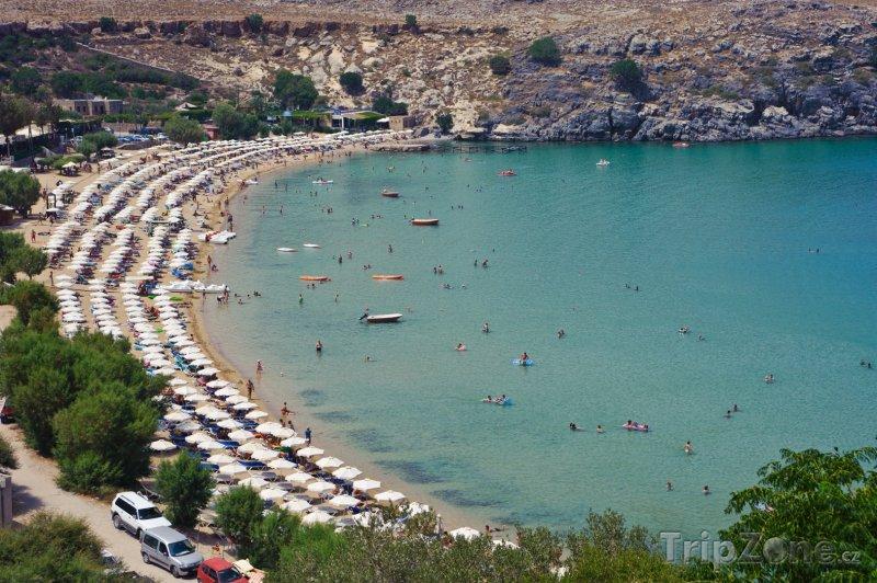 Fotka, Foto Slunečníky na pláži (Líndos, Řecko)