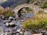 Starý most přes řeku ve Vall de Ransol
