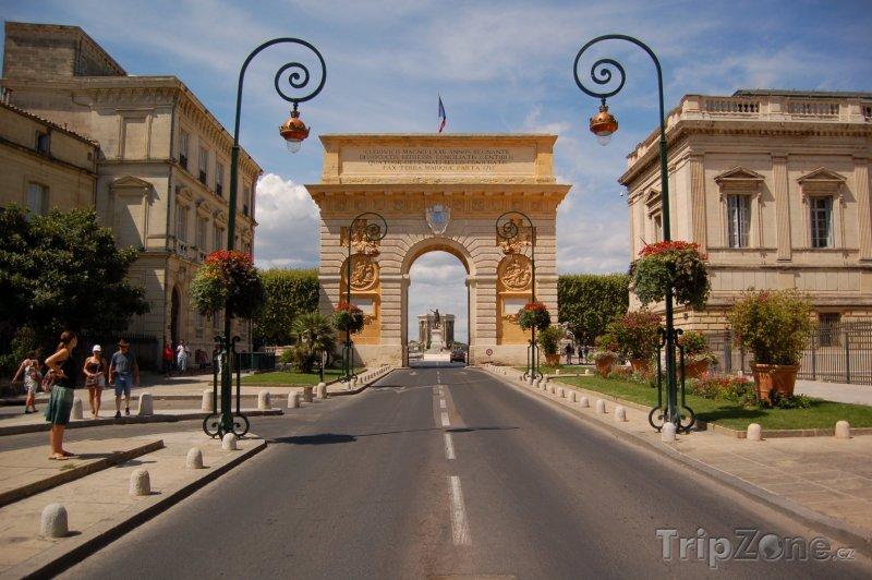 Fotka, Foto Vítězný oblouk v Montpellieru (Francie)