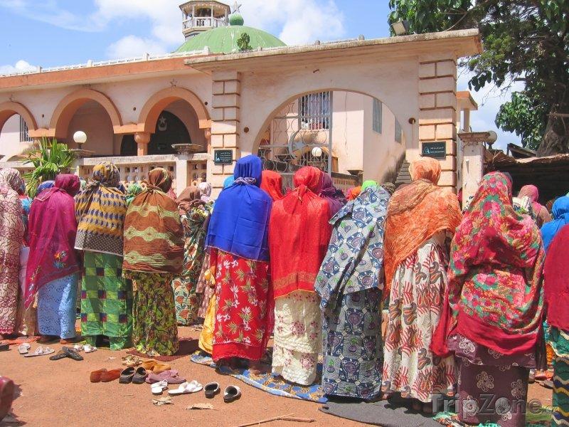 Fotka, Foto Modlící se ženy (Kamerun)