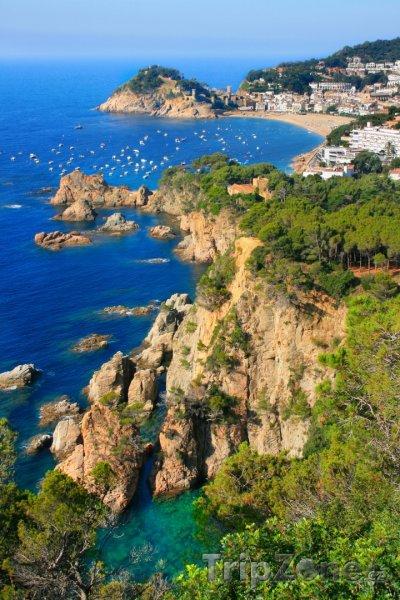 Fotka, Foto Pohled na městečko Tossa de Mar (Španělsko)
