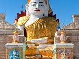 Socha Buddhy ve vesničce Indein