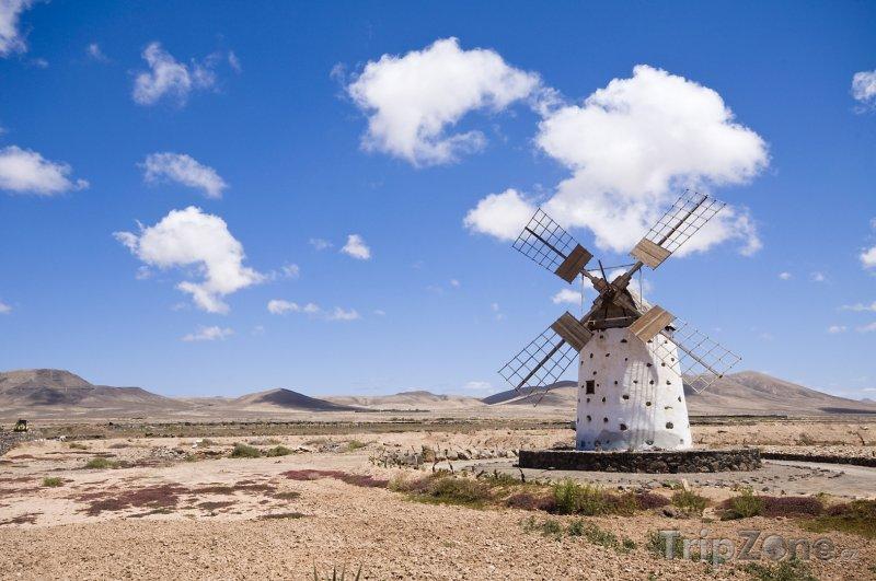 Fotka, Foto Větrný mlýn na ostrově Fuerteventura (Španělsko)